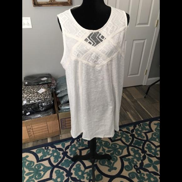 LLove Tops - NWT Plus Lace Insert Knit Tank Top